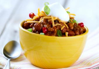 chili-with-sour-cream-green-onions.jpg