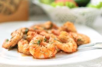 grilled shrimp with herbs and spices